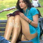 Sexy naked pussy Shruti Haasan nude legs without pants