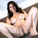 Anushka Shetty touching her pundai in couch naked casting pic