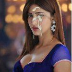 Hot cleavage Shruti Haasan cum facial by her fan HD pic