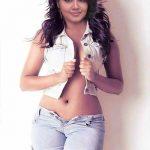 Anupama Parameswaran nude navel open shirt cleavage xxx pics