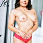 Rashi Khanna topless naked small boobs without bra image