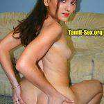 Naked mallu actress Saniya Iyappan spreading her ass